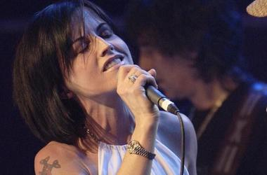 Dolores O'Riordan, The Cranberries, Singing, Concert, 2004