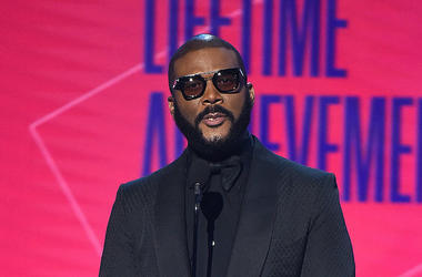 Tyler Perry, Stage, Sunglasses, Microphone, Suit, Talking