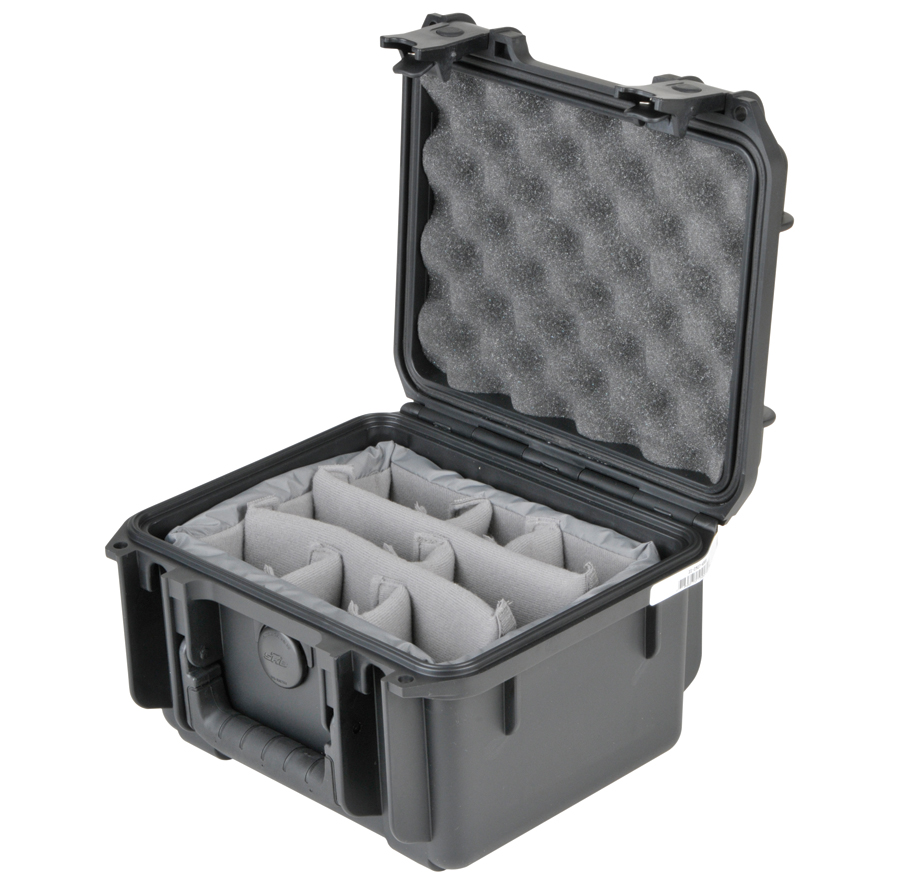 (ea)SKB WATER TIGHT W DIVIDERS