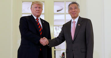 President Donald Trump meets with Singapore Prime Minister Lee Hsien Loong