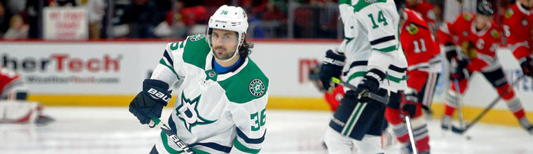 Report: Stars' Zuccarello To Have Surgery On Broken Arm Tuesday