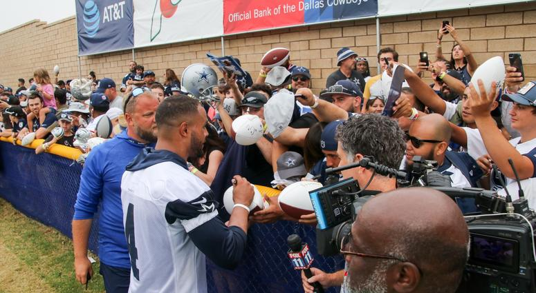 PHOTOS  The Players Take The Field At 2018 Dallas Cowboys Training ... 442a9ae03