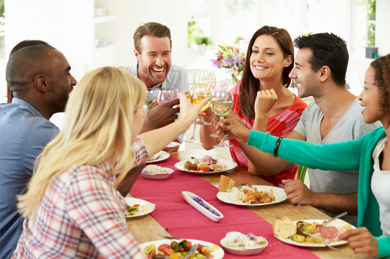 Aunt Charges Family Members To Eat At Her Thanksgiving Dinner 985 Ktk