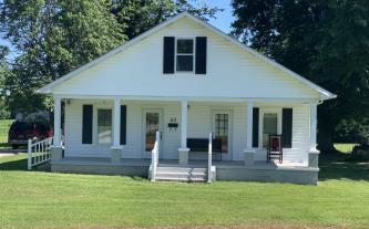 1.5 Story Home in Beaver Dam, Kentucky