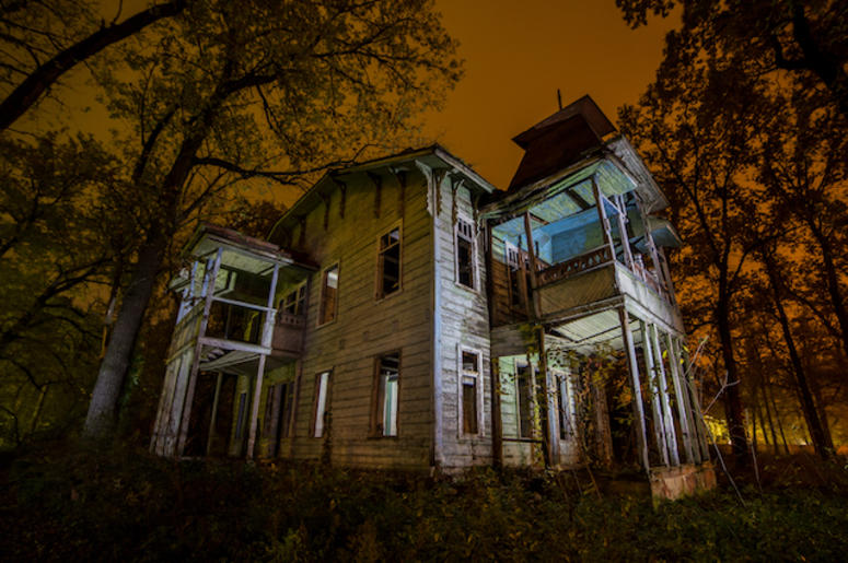 Ody Wants To Buy This Abandoned 55 Bedroom Texas Mansion