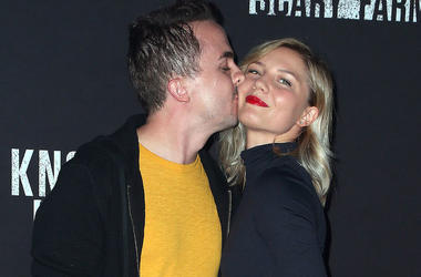 Frankie Muniz, Paige Price, Knott's Scary Farm Celebrity Night, 2017