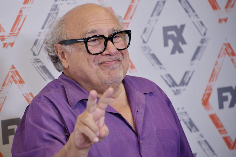 Danny DeVito, Purple Shirt, Red Carpet, Peace Sign