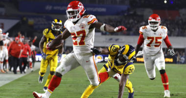 Kansas City Chiefs running back Kareem Hunt (27)
