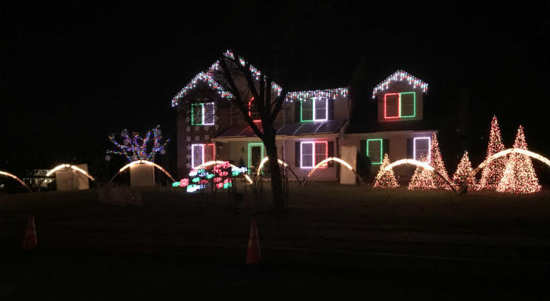 Homemade, high-tech Christmas light shows synced up to music are a big draw - Montgomery County Homemade Light Show Is Back After 2 Year Break KYW