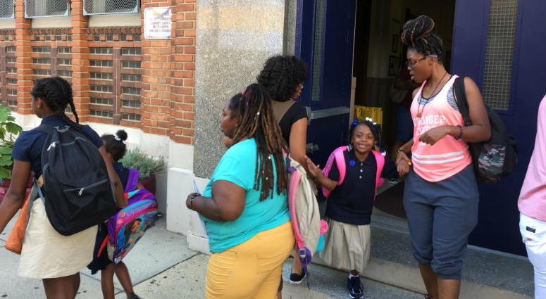 A Hot Topic Committee Looks At Philadelphia School Calendar For
