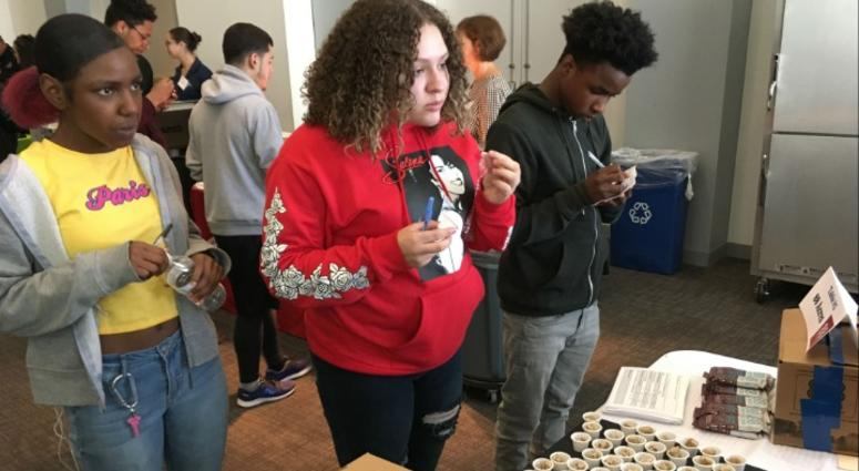 Students sampled meatless chicken nuggets, vegan burgers, dark chocolate and sea salt bars, vegan meatballs, turkey chili, organic cereal bars, and other offerings from two dozen vendors before rating them.