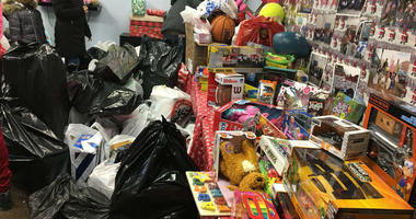 Local tow truck drivers help struggling families at 11th annual 'Tow 4 Tots'