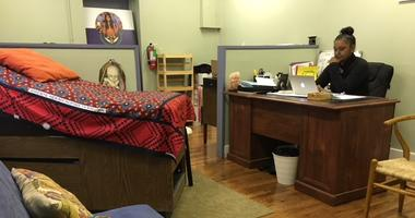 Germantown midwife offers expecting mothers an alternative option