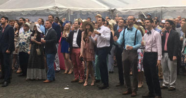 'Dapper' crowds gather for annual Preakness at the Piazza