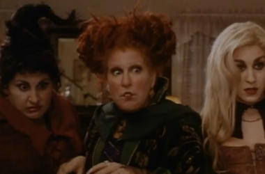 ""\""""Hocus Pocus"""" is one of the many Halloween classics you can watch for nearly free this coming Halloween. Vpc Halloween Specials Desk Thumb""380|250|?|en|2|35980dafd318414a87385d1d4c2925fa|False|UNLIKELY|0.3260354995727539