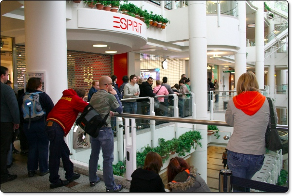 Apple Store Bentall Centre UK Open Today — Geekanoids