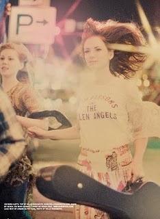 girl-long-brown-hair-fashion-foam magazine