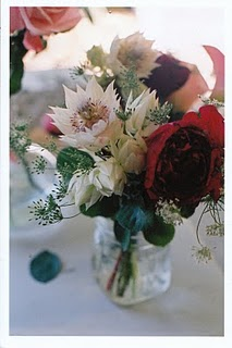 white-red- flower-arrangement