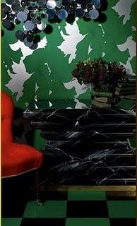 green-bold-wallpaper