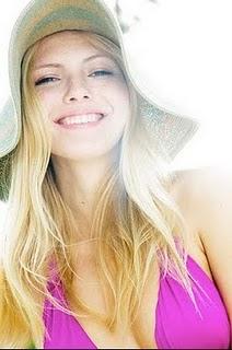 pink-bikini-sun-hat