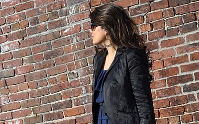 Naina Singla - fashion stylist and style expert - Blog - Black and Blue 52c11298ed929