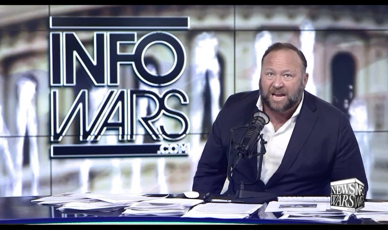 """Alex Jones reacts to Mueller report summary by expressing his willingness to execute """"traitors"""""""