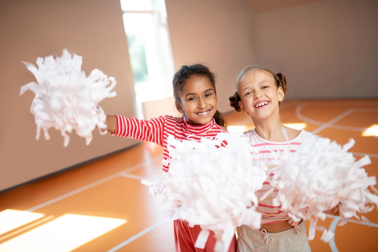 Cheerleader girls