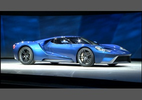 should the 2016-2017 ford gt come with a manual transmission?