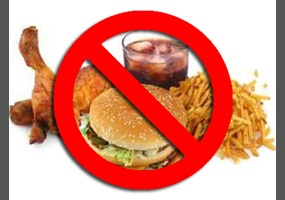 junk food should be banned in school canteens essay