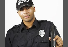 should schools have security guards