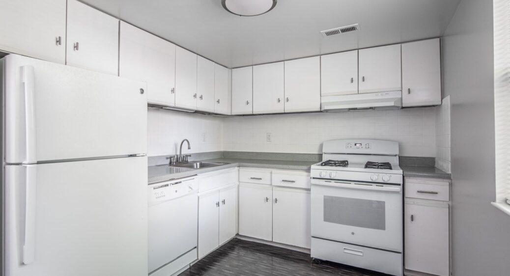 Lexington Village Apartments