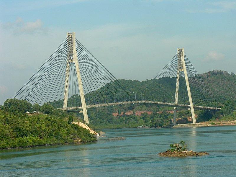 feb_20_1682_batam_bridge_close.jpg