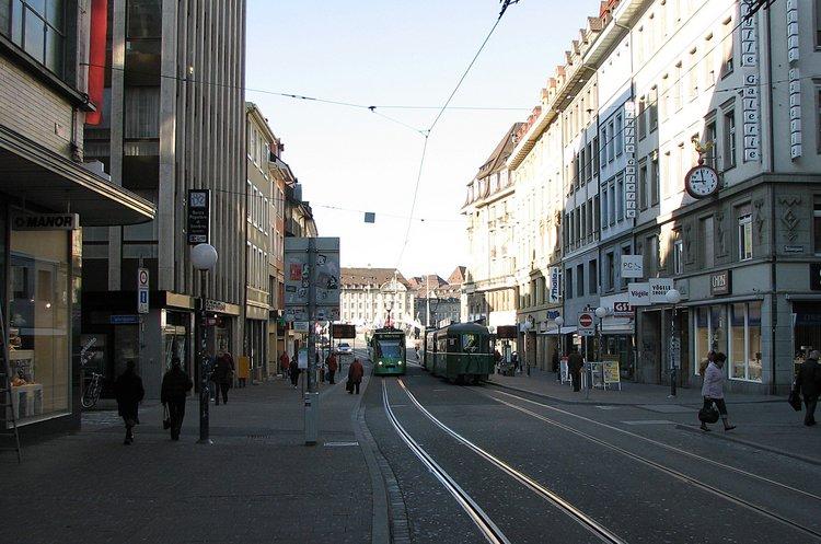 mar_12_0146_tram.jpg