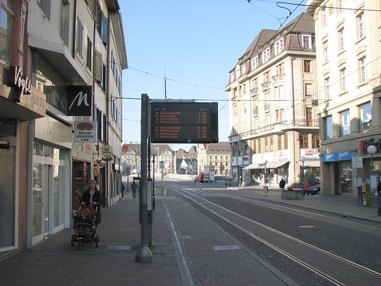 mar_12_0149_tram_sign.jpg