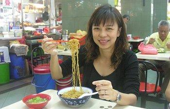 oct_26_9910_leah_noodles.jpg