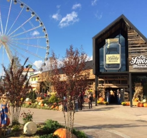 Pigeon Forge Chamber of Commerce Ribbon Cutting