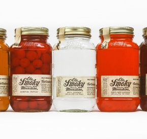 "Ole Smoky Moonshine Celebrates ""Tennessee Moonshine"" Legislation"