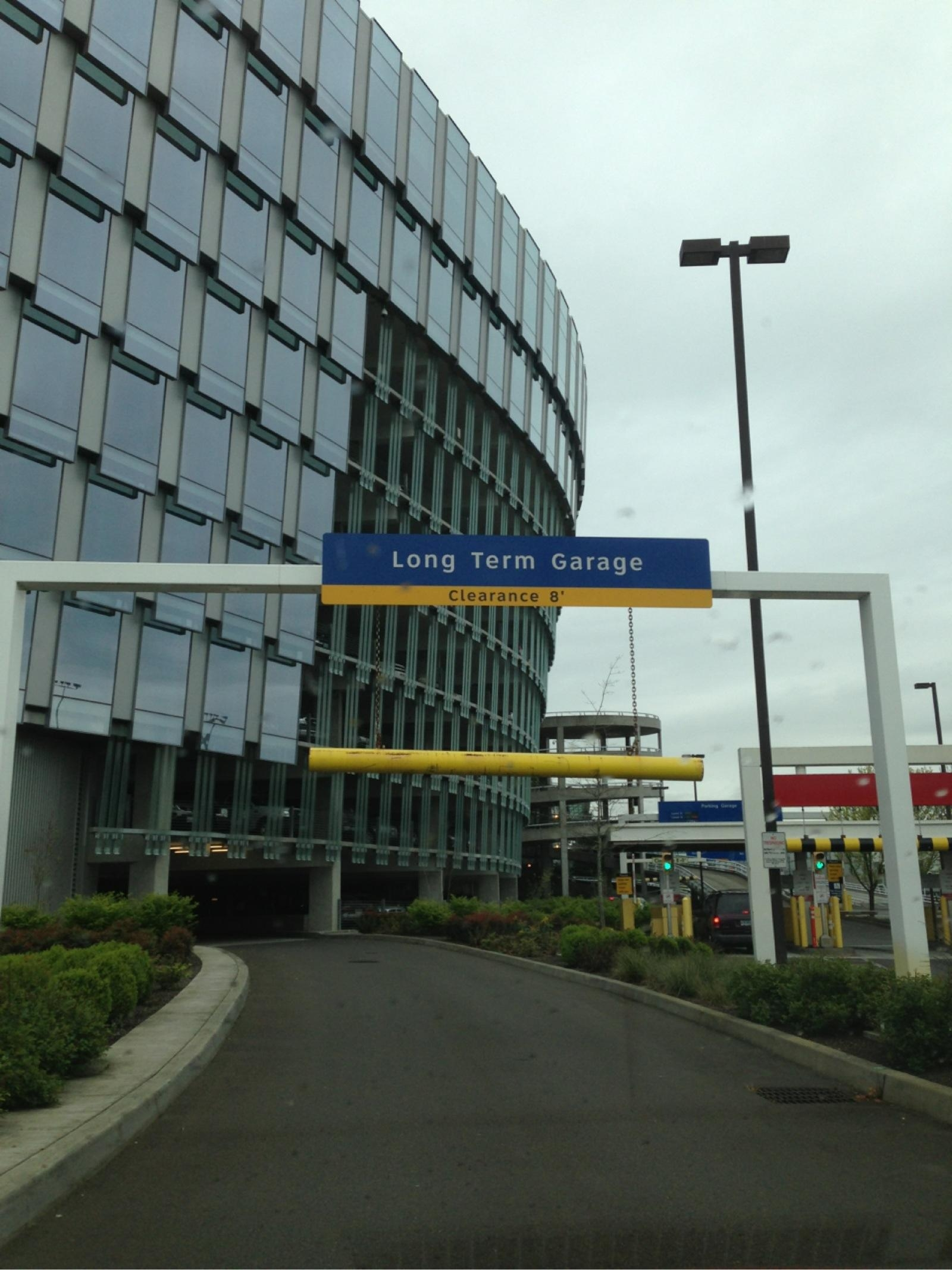 Pdx Long Term Parking >> PDX - Long Term Garage - Parking in Portland | ParkMe
