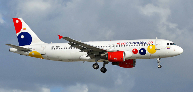 VivaColombia A320 on final approach