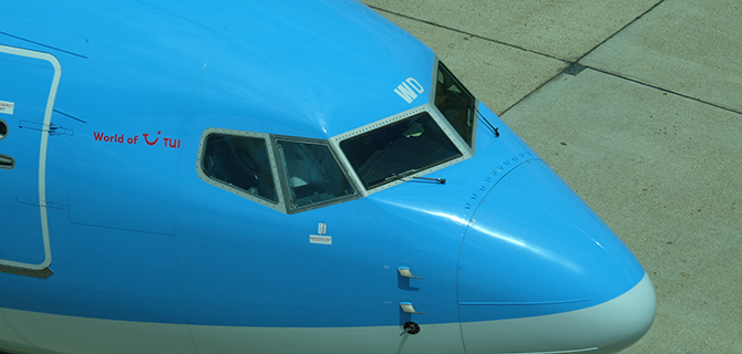 TUIfly Boeing B737-800NG about to push back.