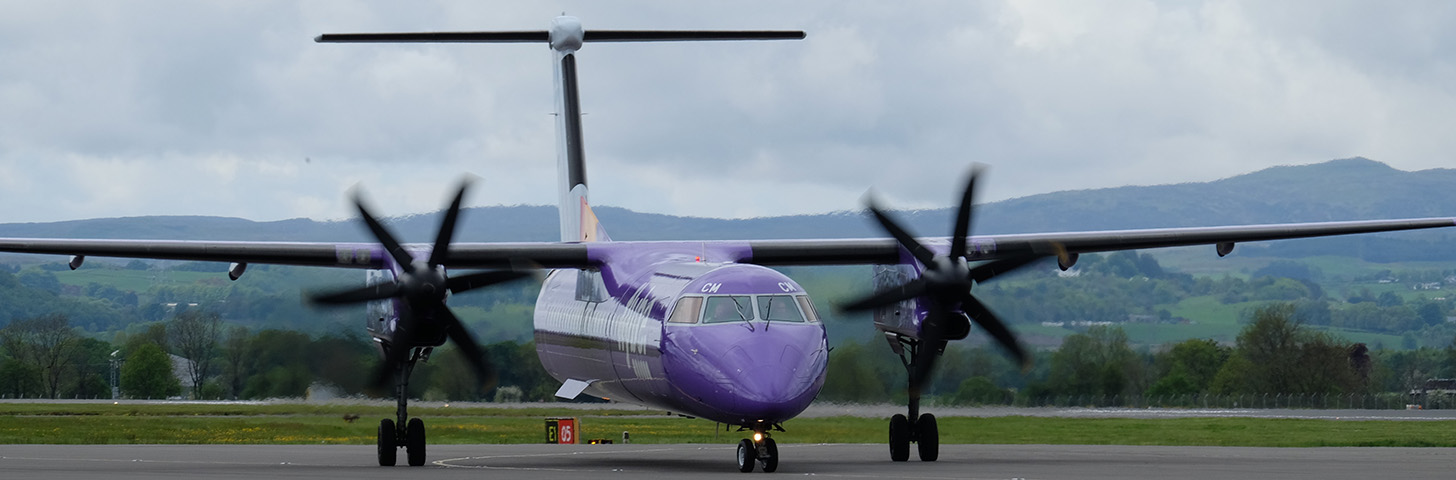 flybe Dash 8-Q400 on taxi in.