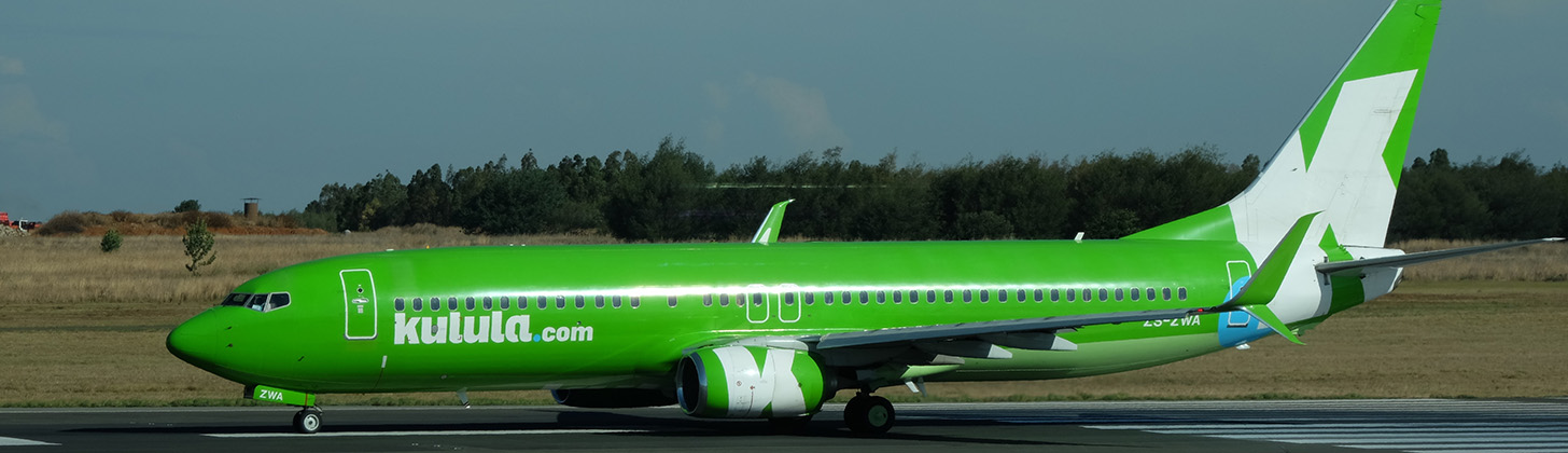 Kulula Boeing 737NG ready for take off