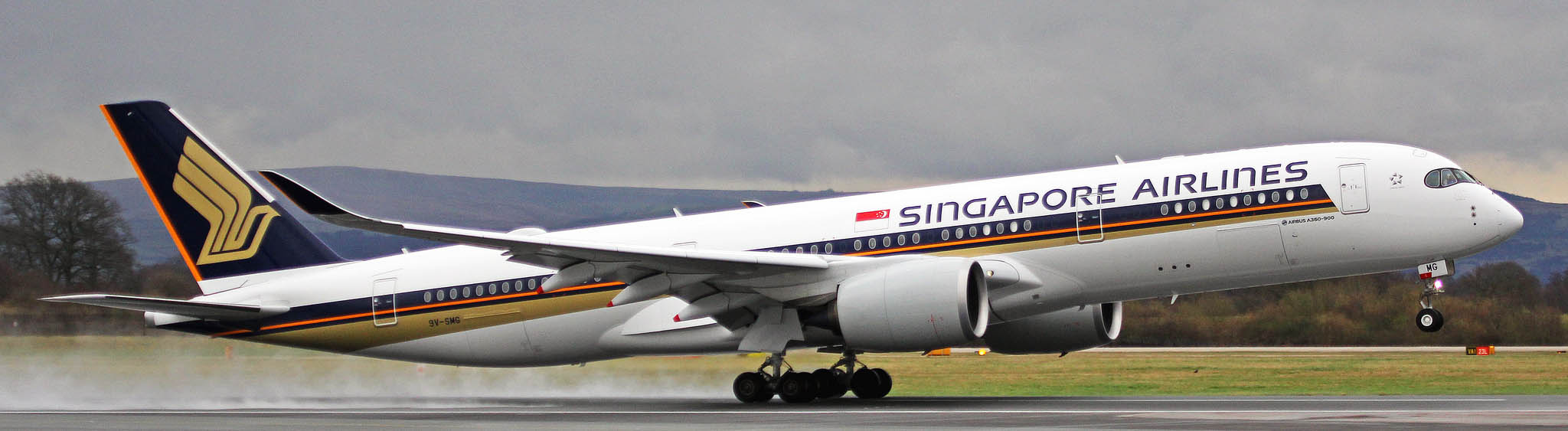 Singapore Airlines Airbus A350-900 on touchdown.
