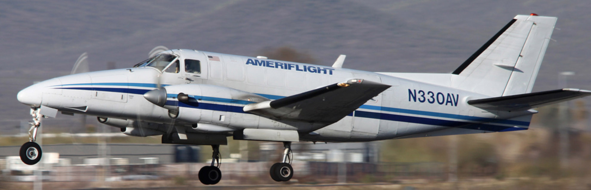 Ameriflight Beech 99 at lift off