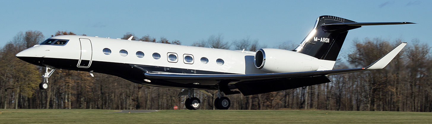 Gulfstream G500 just about to touchdown.