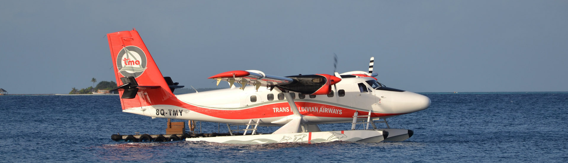Trans Maldivian Airways Twin Otter at the dock