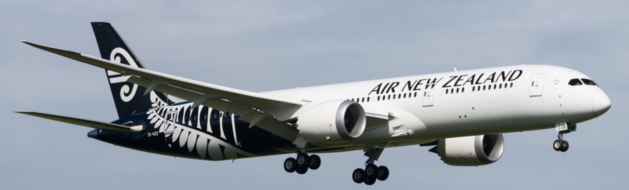 Air New Zealand Boeing 787-9 on Final Approach