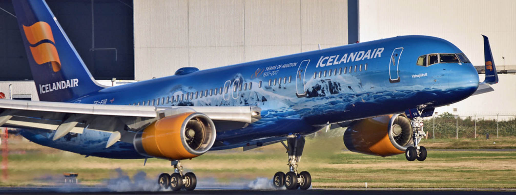 Iceland Air Boeing 757 on touchdown