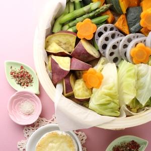 たっぷり野菜のまるごとカマンベールチーズフォンデュ