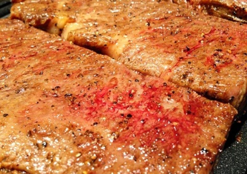 和牛ざぶとんのステーキ